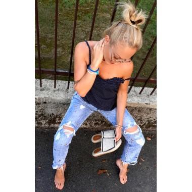 Jeans boy-friend chiaro con strappi |