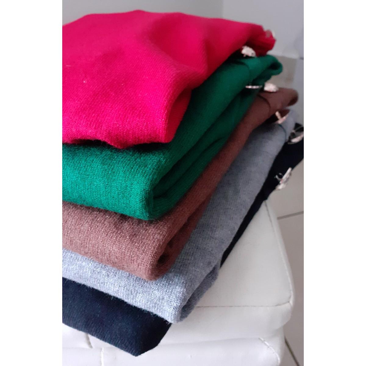 Maglioncino di lana con collo alto  