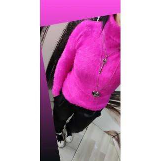 Maglione di lana peluche aderente   Silvia