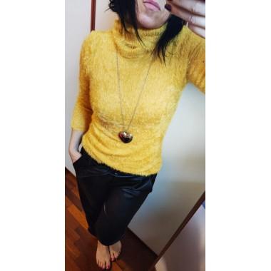 Maglione di lana peluche aderente  