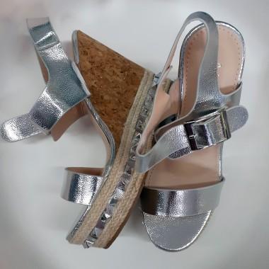 Sandali argento con zeppa in sughero |